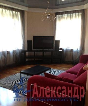 1-комнатная квартира (51м2) в аренду по адресу Малая Балканская ул., 16— фото 1 из 3