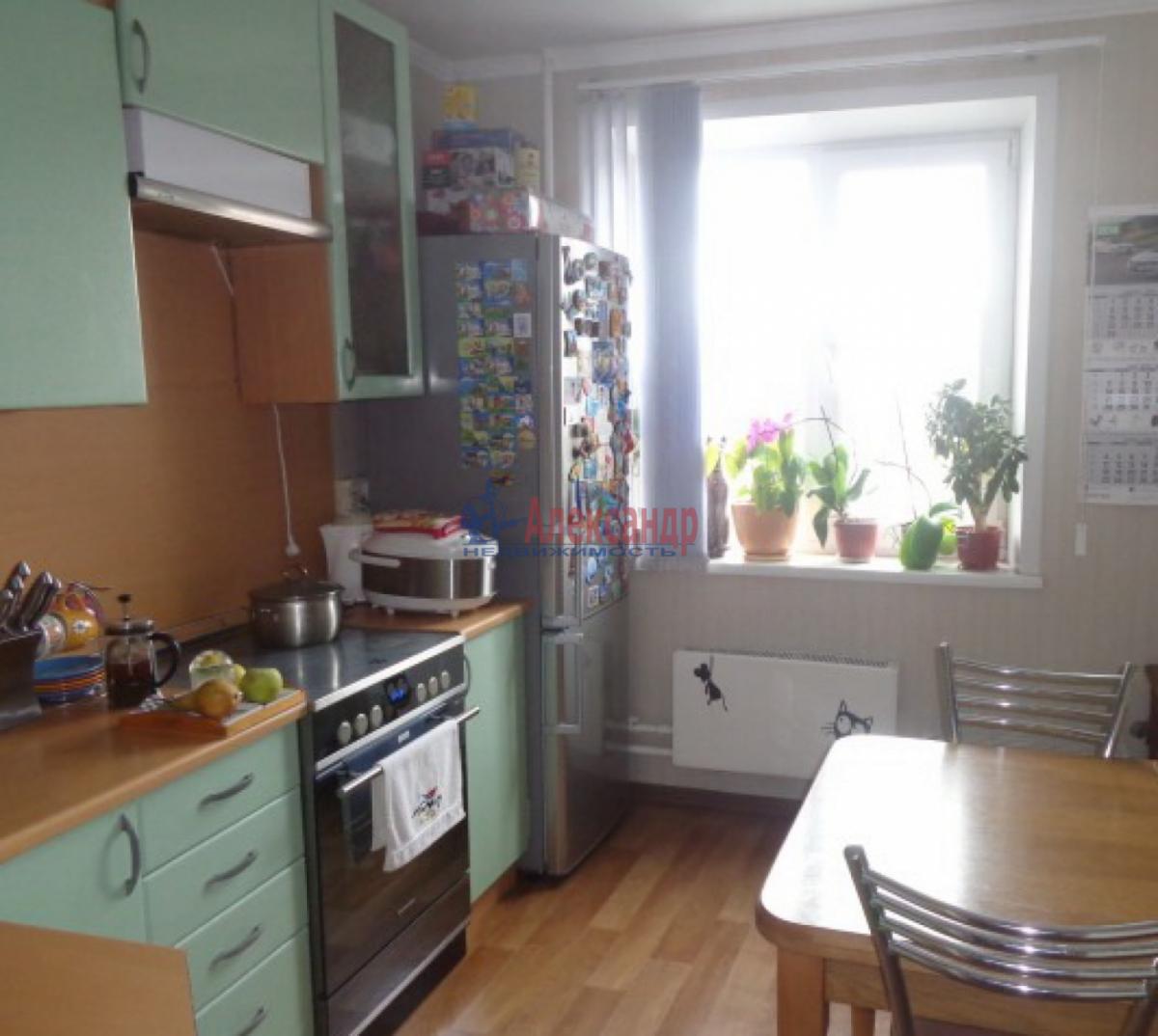 2-комнатная квартира (54м2) в аренду по адресу Ветеранов пр., 122— фото 3 из 5
