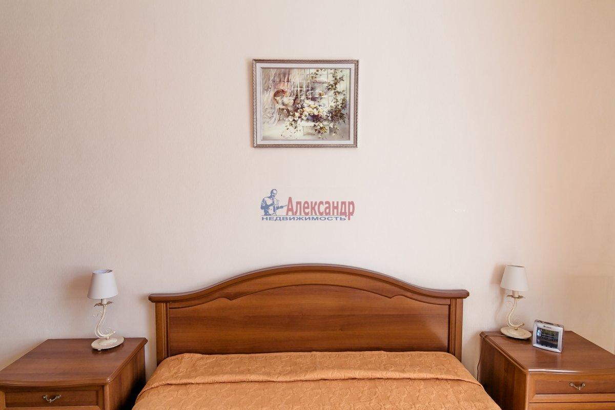 2-комнатная квартира (65м2) в аренду по адресу Алтайская ул., 11— фото 4 из 26