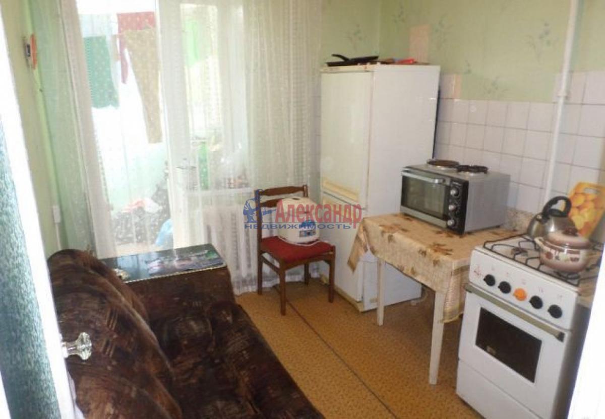 1-комнатная квартира (33м2) в аренду по адресу Новаторов бул., 116— фото 2 из 8