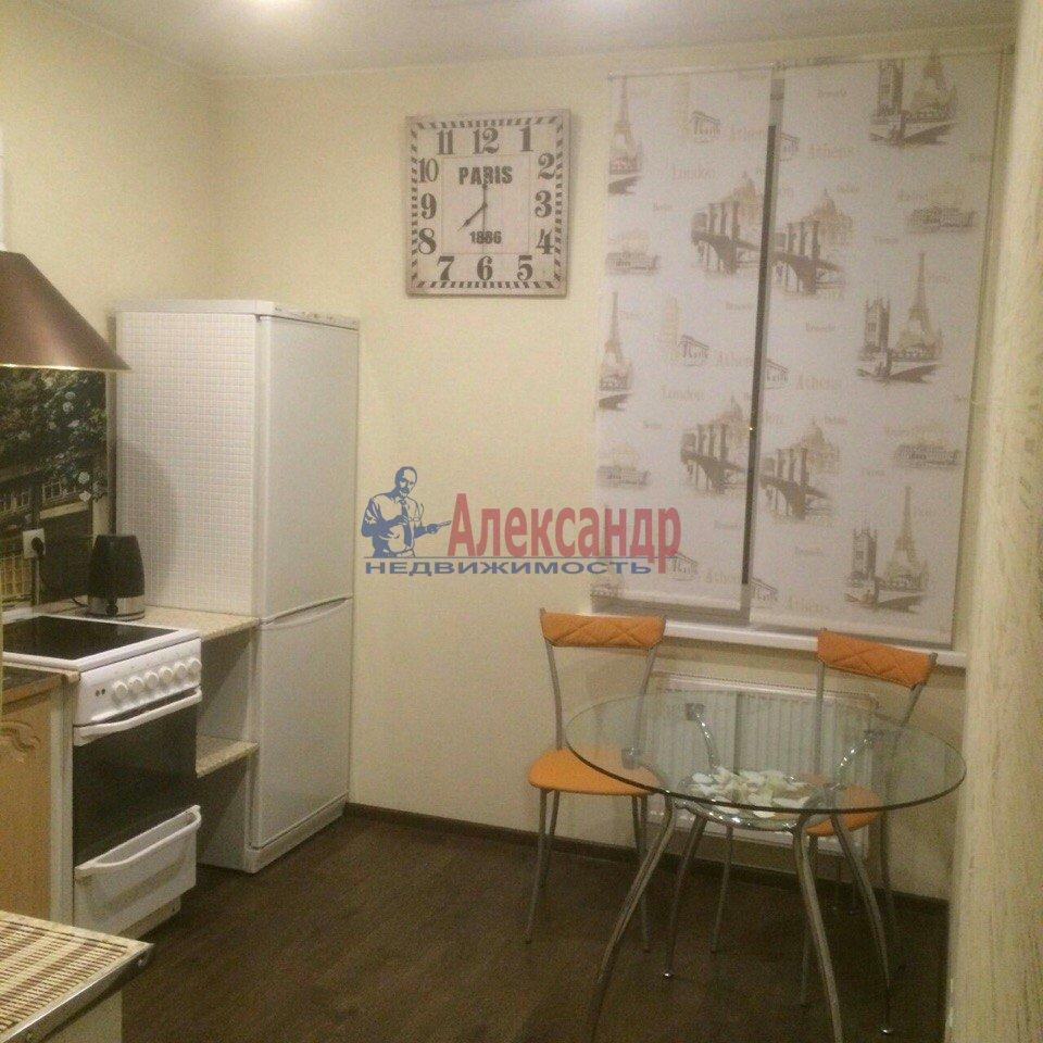 1-комнатная квартира (43м2) в аренду по адресу Есенина ул., 1— фото 7 из 9