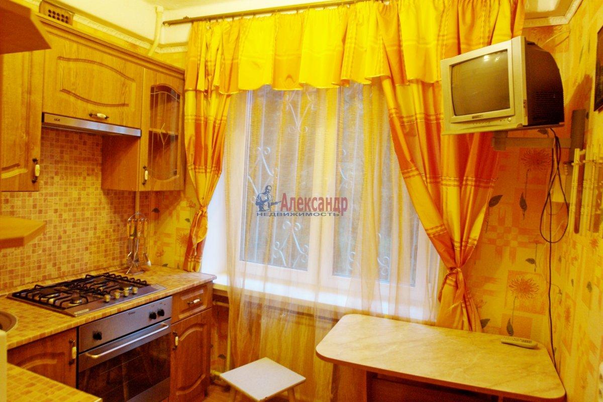 2-комнатная квартира (47м2) в аренду по адресу Бухарестская ул., 66— фото 1 из 6