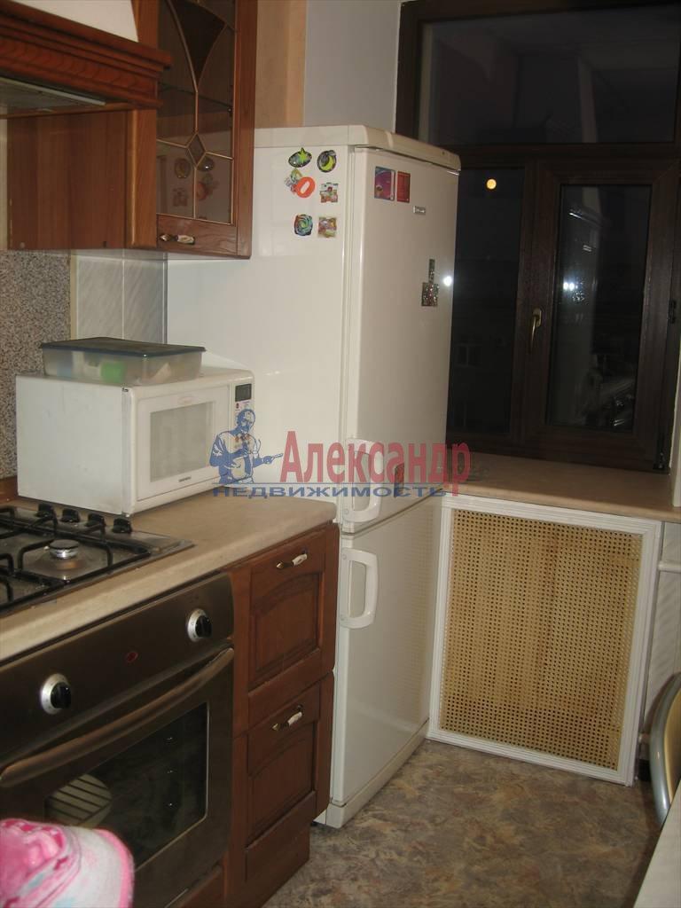 2-комнатная квартира (61м2) в аренду по адресу Стачек пр., 94— фото 1 из 7