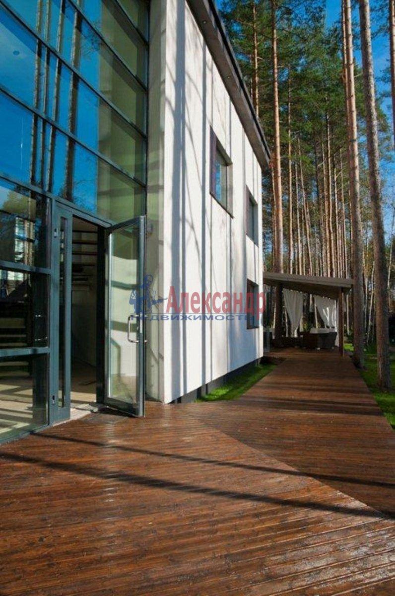 Дом (250м2) в аренду — фото 2 из 9