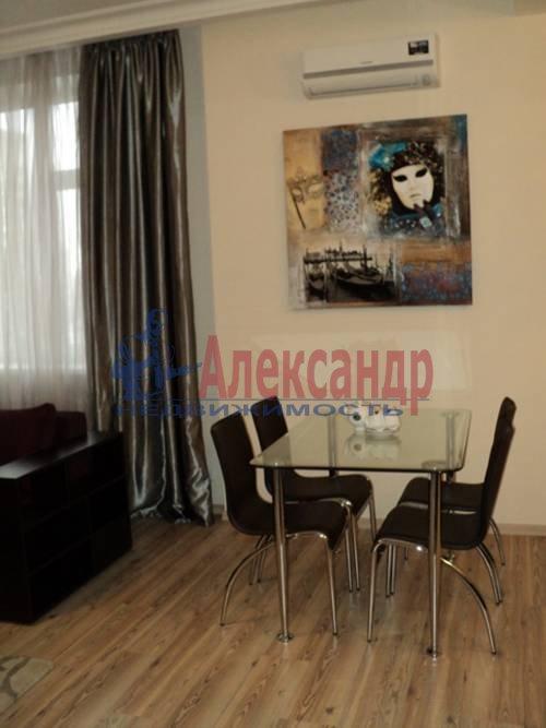 2-комнатная квартира (60м2) в аренду по адресу Типанова ул., 34— фото 6 из 8