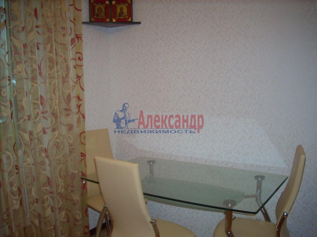1-комнатная квартира (35м2) в аренду по адресу Реки Мойки наб., 28— фото 3 из 5