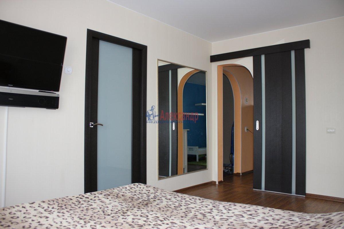 1-комнатная квартира (43м2) в аренду по адресу Большеохтинский пр., 9— фото 10 из 11