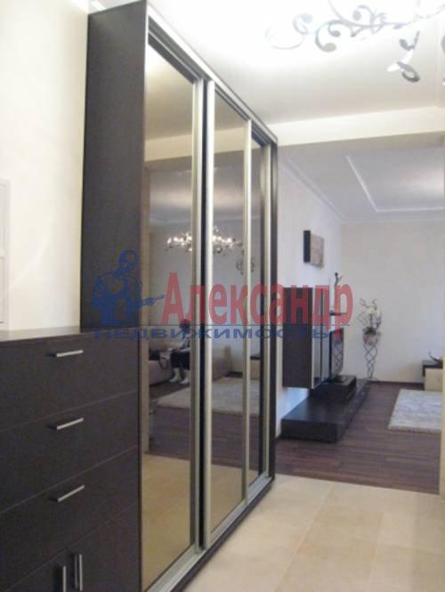 2-комнатная квартира (75м2) в аренду по адресу Смольного ул., 2— фото 2 из 8