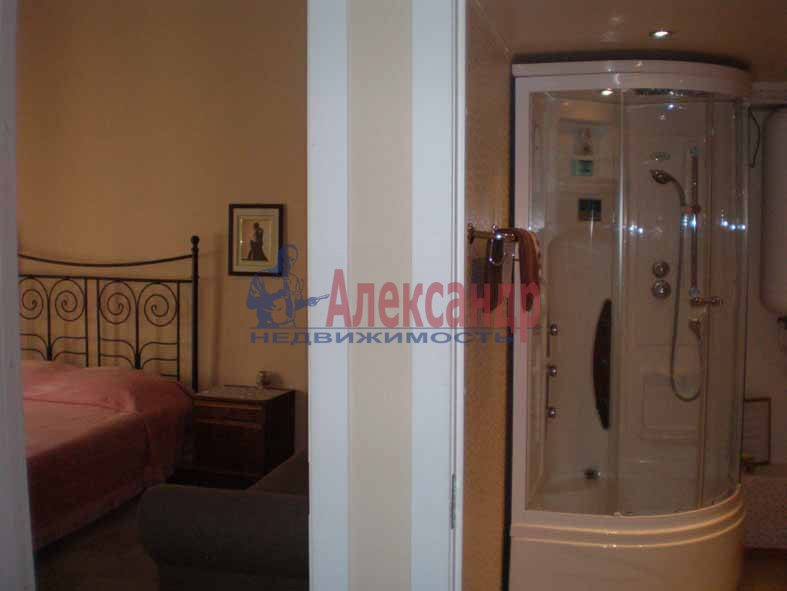 2-комнатная квартира (55м2) в аренду по адресу Ириновский пр., 29— фото 2 из 2