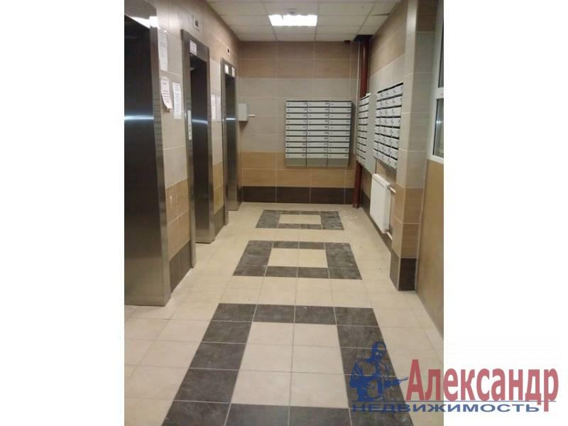 3-комнатная квартира (91м2) в аренду по адресу Учительская ул., 18/2— фото 1 из 10