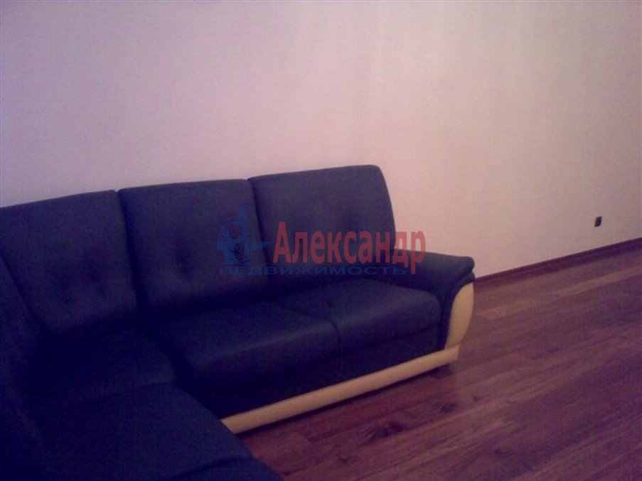 1-комнатная квартира (35м2) в аренду по адресу Десантников ул., 12— фото 3 из 8