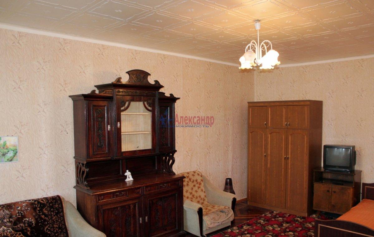 1-комнатная квартира (40м2) в аренду по адресу Киевская ул., 6— фото 1 из 3