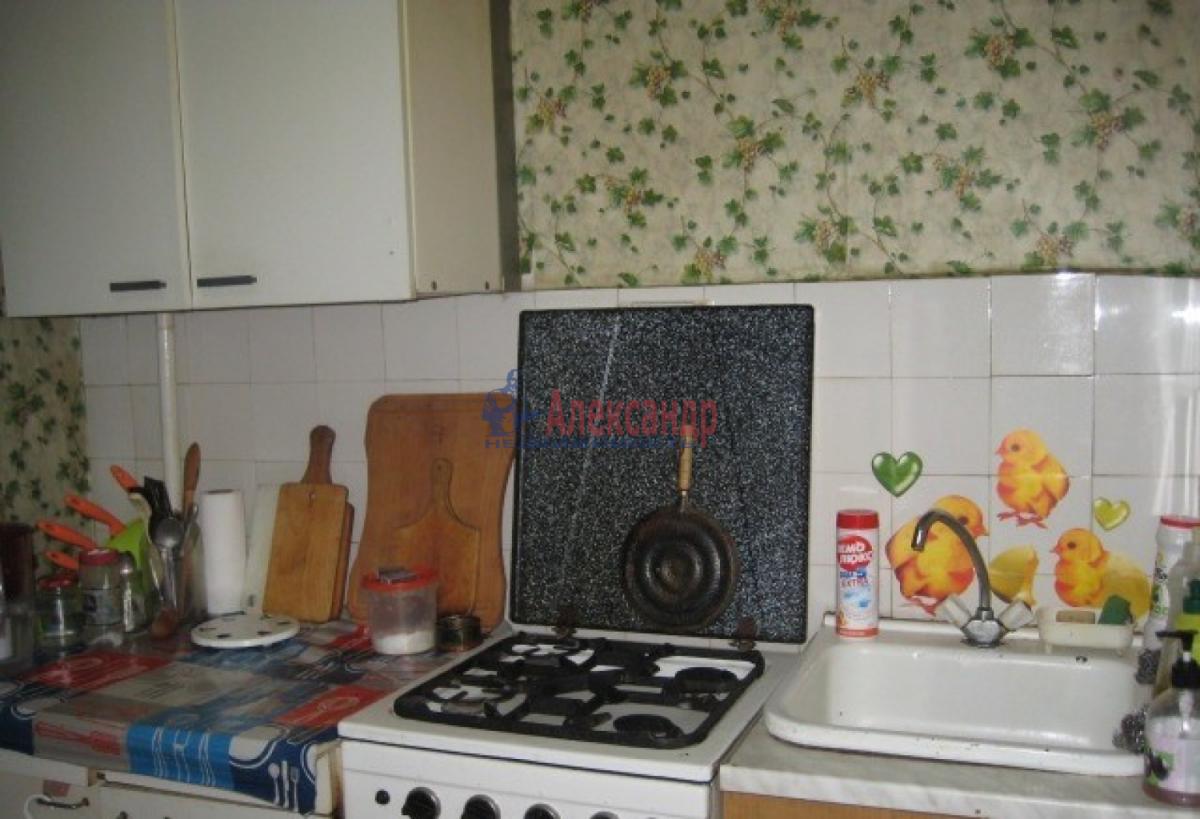 Комната в 4-комнатной квартире (92м2) в аренду по адресу Типанова ул., 18— фото 3 из 5