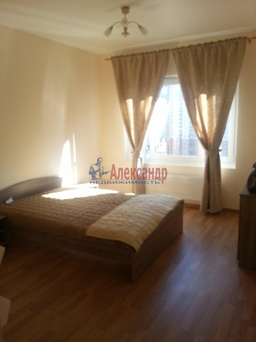 2-комнатная квартира (83м2) в аренду по адресу Варшавская ул., 9— фото 1 из 4