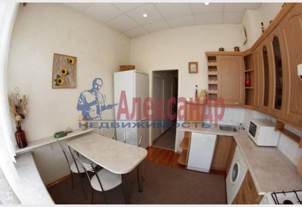 2-комнатная квартира (50м2) в аренду по адресу Радищева ул., 5— фото 3 из 6