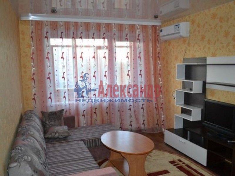 2-комнатная квартира (51м2) в аренду по адресу Крыленко ул., 5— фото 2 из 4