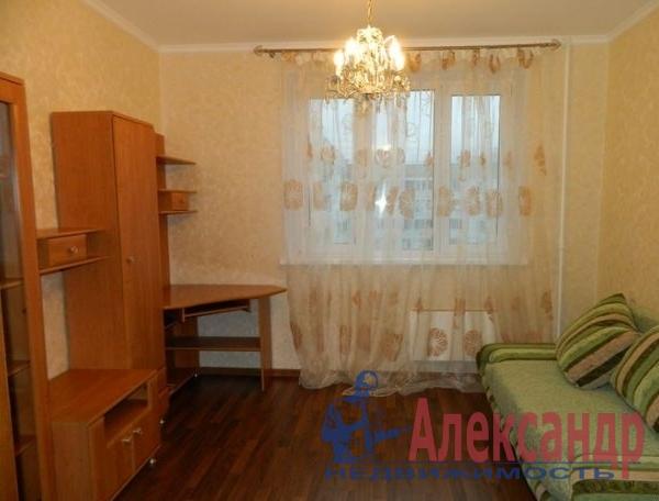 3-комнатная квартира (72м2) в аренду по адресу Школьная ул., 9— фото 2 из 3