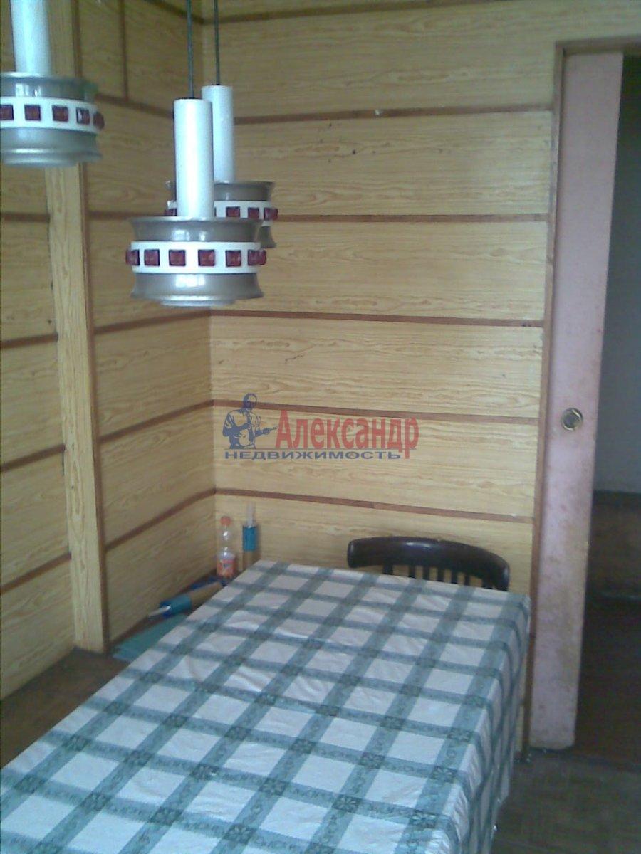 1-комнатная квартира (36м2) в аренду по адресу Ленсовета ул., 58— фото 2 из 4