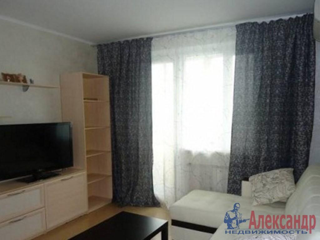 1-комнатная квартира (41м2) в аренду по адресу Ленинский пр., 57— фото 1 из 3