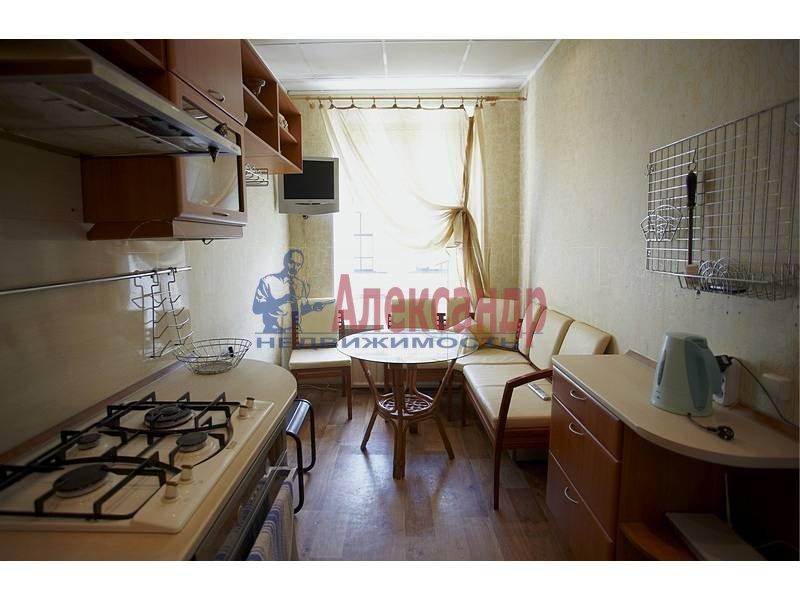 4-комнатная квартира (90м2) в аренду по адресу Загородный пр.— фото 10 из 17