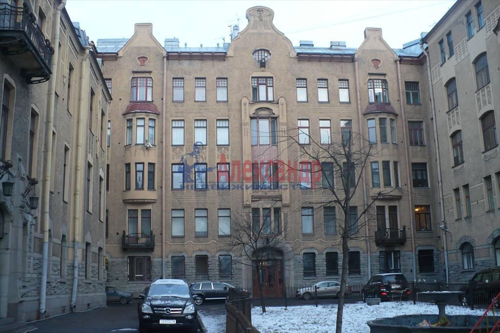 2-комнатная квартира (100м2) в аренду по адресу Каменноостровский пр., 1— фото 3 из 9