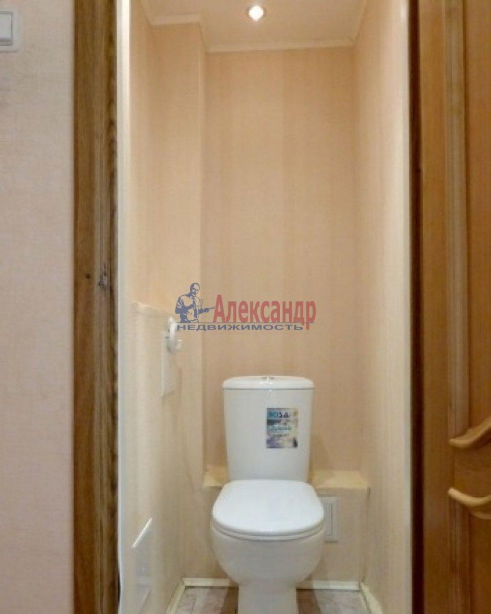 2-комнатная квартира (60м2) в аренду по адресу Оптиков ул., 34— фото 7 из 7