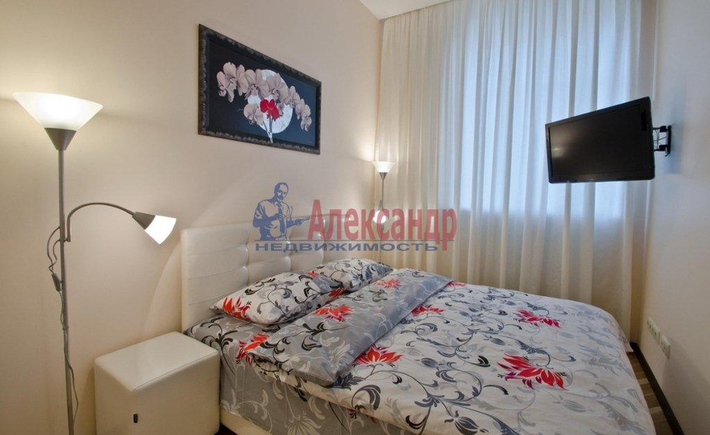 2-комнатная квартира (50м2) в аренду по адресу Яхтенная ул., 1— фото 2 из 4