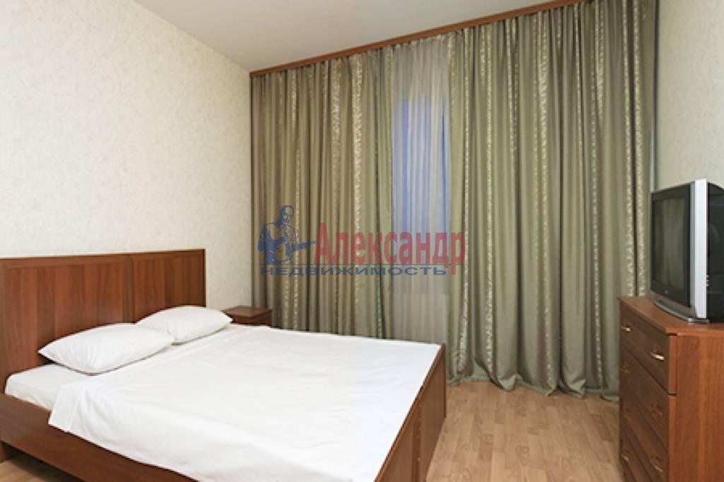 1-комнатная квартира (50м2) в аренду по адресу Бассейная ул., 10— фото 2 из 6