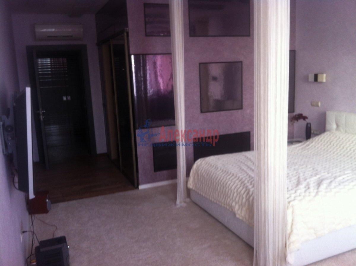 4-комнатная квартира (138м2) в аренду по адресу Новоколомяжский пр., 11— фото 8 из 11