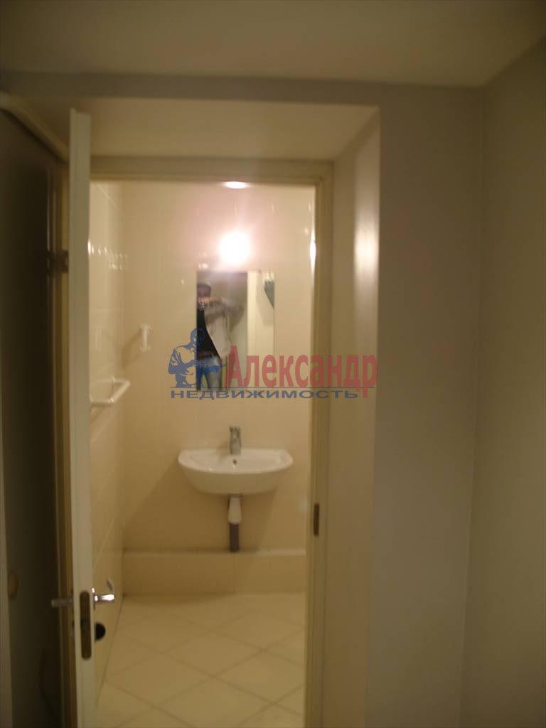 3-комнатная квартира (130м2) в аренду по адресу Миллионная ул.— фото 10 из 45