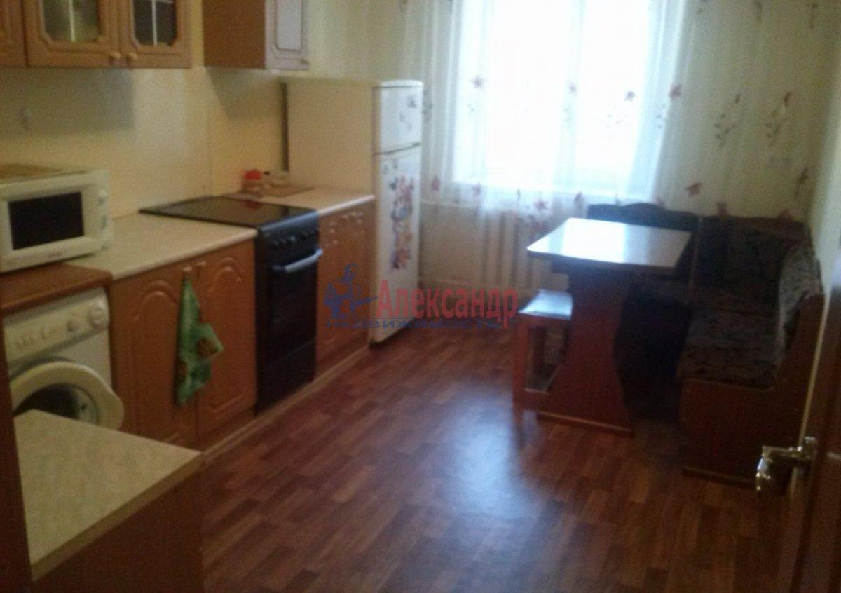 Комната в 3-комнатной квартире (89м2) в аренду по адресу Ленинский пр., 129— фото 4 из 5