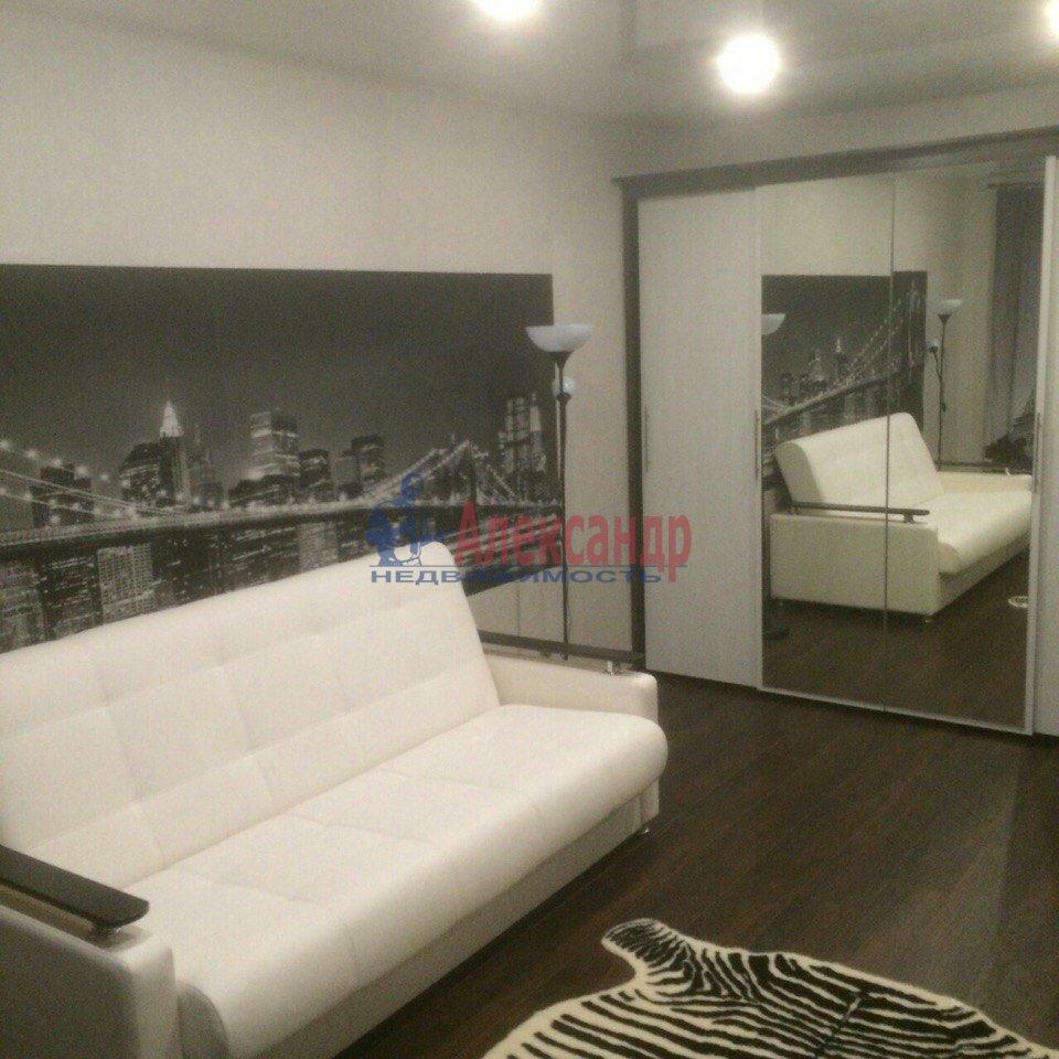 1-комнатная квартира (43м2) в аренду по адресу Есенина ул., 1— фото 9 из 9