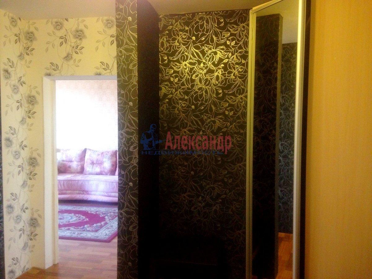 2-комнатная квартира (70м2) в аренду по адресу Дунайский пр., 55— фото 3 из 6