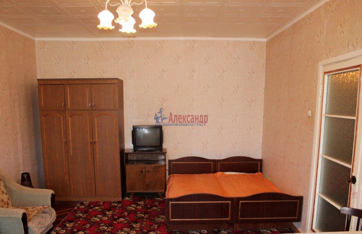 1-комнатная квартира (40м2) в аренду по адресу Киевская ул., 6— фото 2 из 3