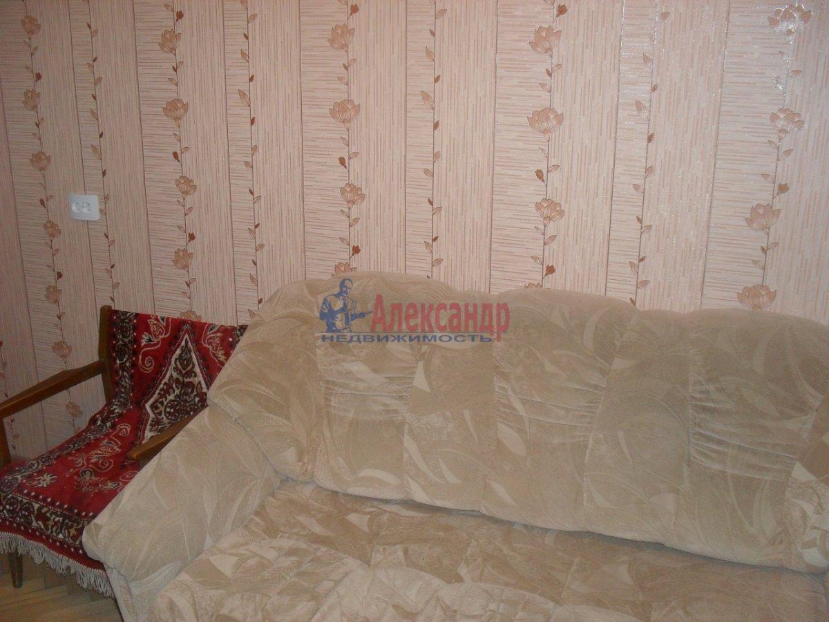 2-комнатная квартира (50м2) в аренду по адресу Софийская ул., 35— фото 1 из 9
