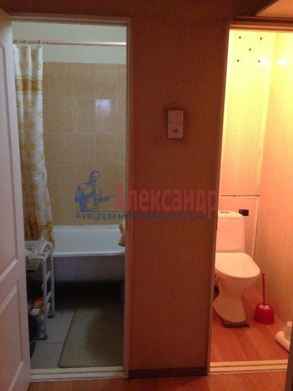 Комната в 2-комнатной квартире (50м2) в аренду по адресу Обводного канала наб., 51— фото 4 из 4