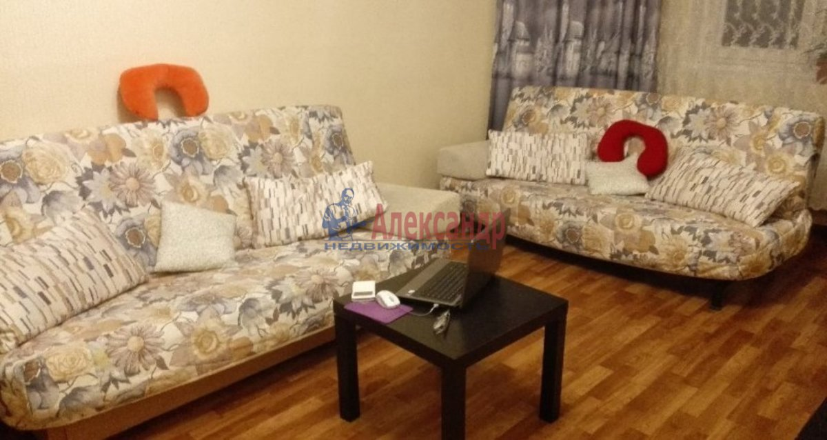 3-комнатная квартира (67м2) в аренду по адресу Сикейроса ул., 6— фото 1 из 8