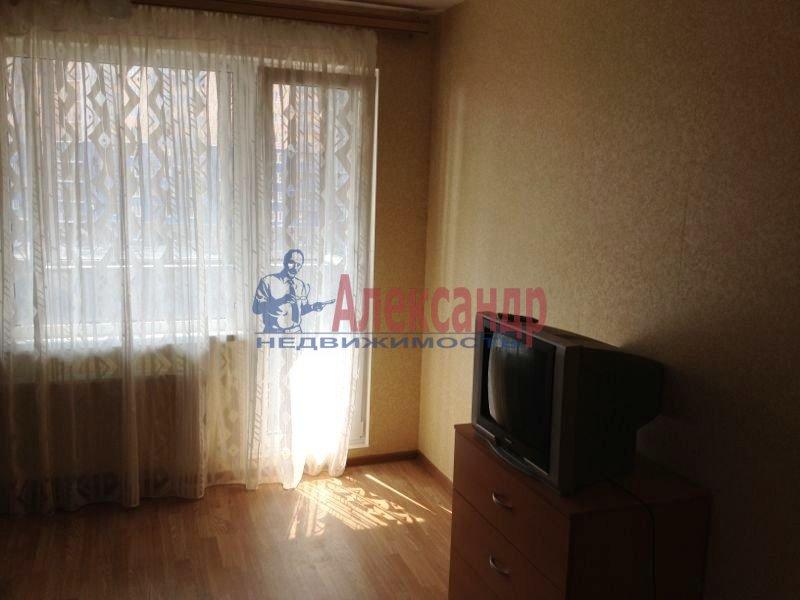 1-комнатная квартира (38м2) в аренду по адресу Руставели ул., 60— фото 7 из 10