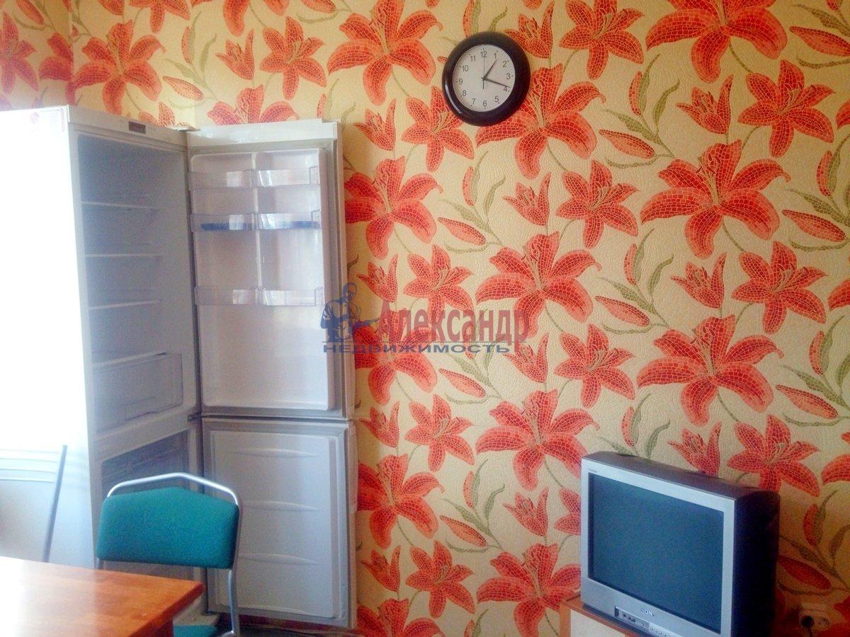 2-комнатная квартира (70м2) в аренду по адресу Дунайский пр., 55— фото 4 из 6