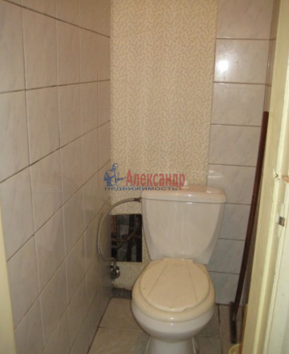 Комната в 4-комнатной квартире (92м2) в аренду по адресу Типанова ул., 18— фото 4 из 5