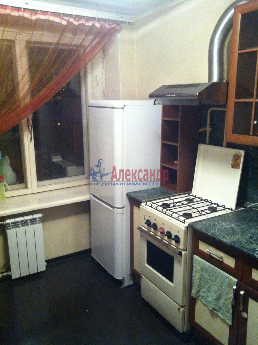 1-комнатная квартира (34м2) в аренду по адресу Прибрежная ул., 10— фото 2 из 7
