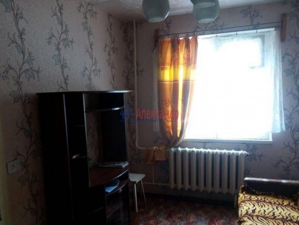 Комната в 2-комнатной квартире (37м2) в аренду по адресу Звездная ул., 4— фото 1 из 3