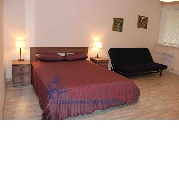 1-комнатная квартира (50м2) в аренду по адресу Ропшинская ул., 3— фото 2 из 6