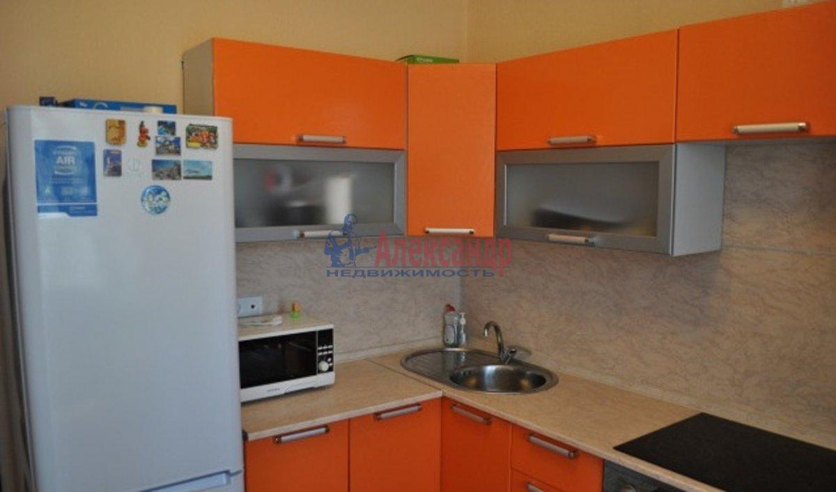 2-комнатная квартира (67м2) в аренду по адресу Стародеревенская ул., 21— фото 3 из 6