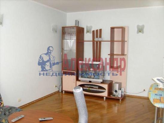 2-комнатная квартира (48м2) в аренду по адресу Куйбышева ул.— фото 3 из 6