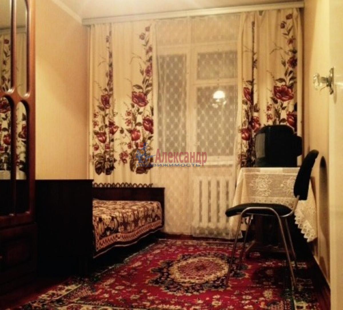 Комната в 3-комнатной квартире (62м2) в аренду по адресу Салова ул., 24— фото 2 из 4