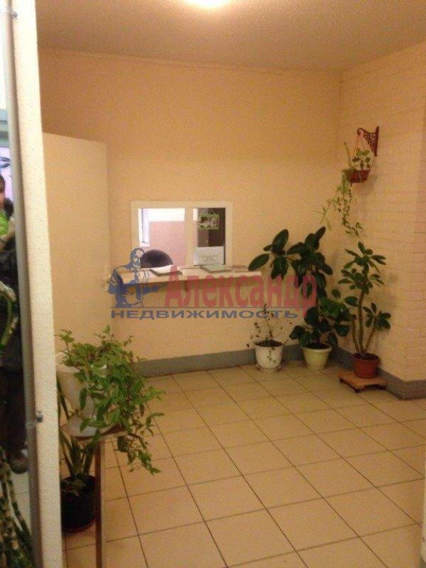 2-комнатная квартира (57м2) в аренду по адресу Ленсовета ул., 69— фото 8 из 8