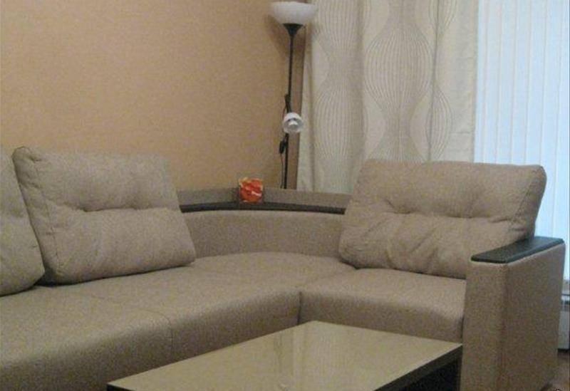 2-комнатная квартира (48м2) в аренду по адресу Антоненко пер., 3— фото 1 из 4