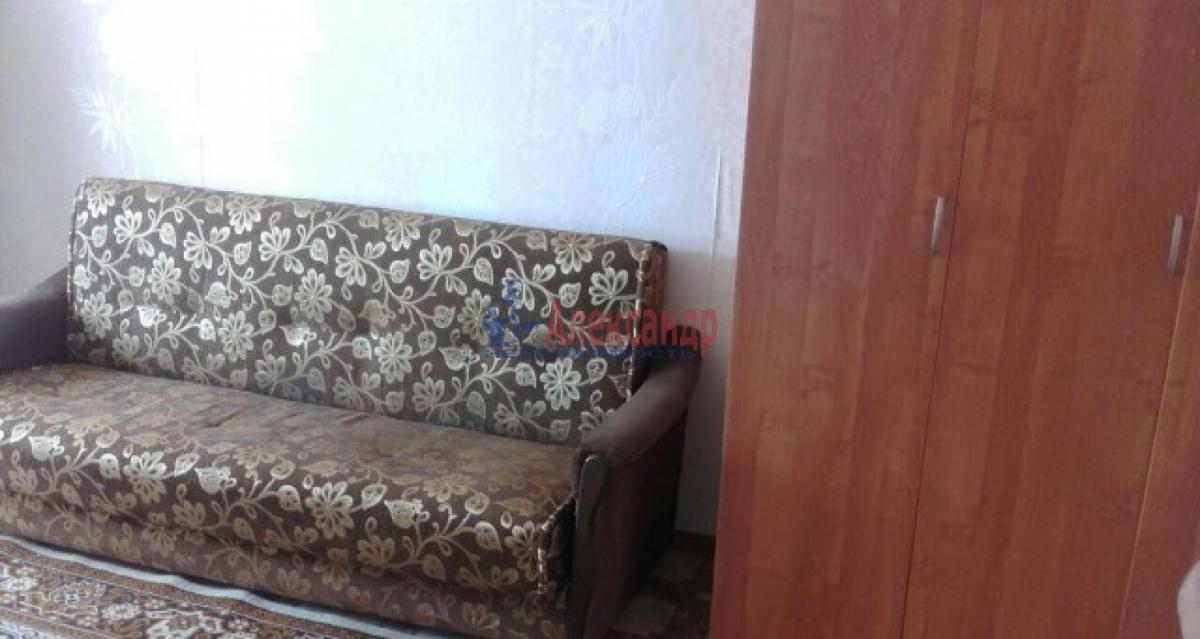 1-комнатная квартира (35м2) в аренду по адресу Дыбенко ул., 38— фото 4 из 6