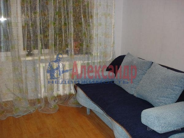 2-комнатная квартира (52м2) в аренду по адресу Пловдивская ул., 9— фото 1 из 4
